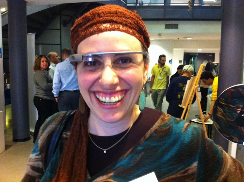 Miriam Schwab wearing Google Glass